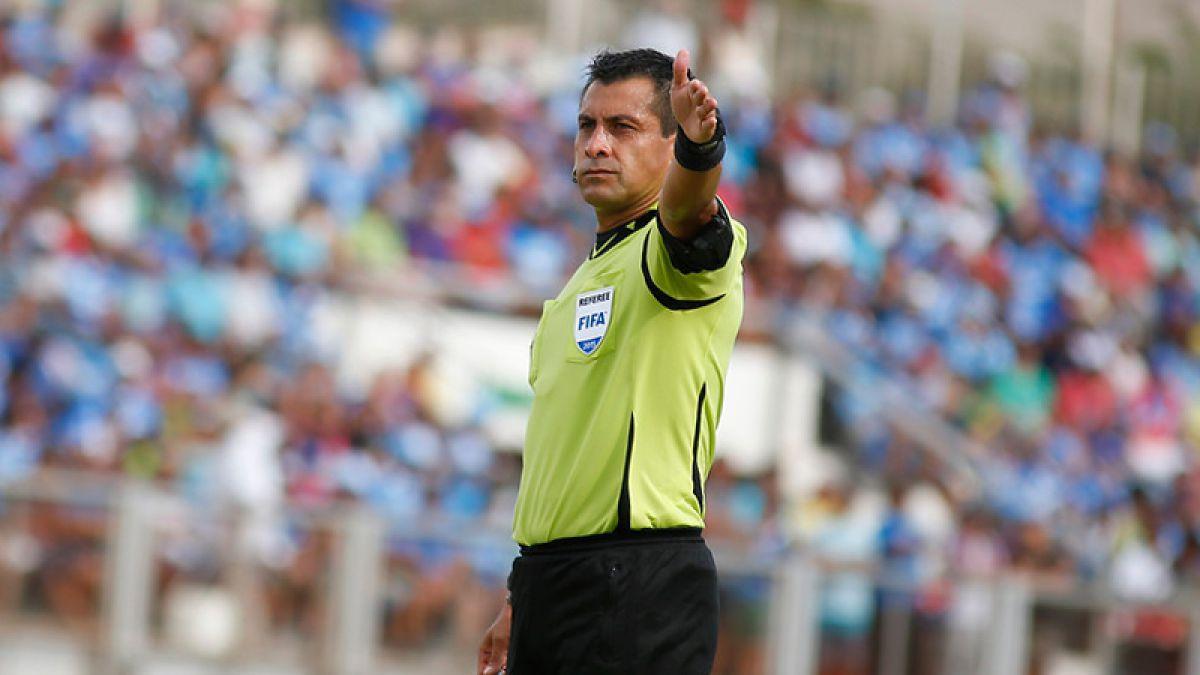 """Sorteo árbitros: Vuelve Bascuñan, Osses dirige a la """"U"""" y Polic a Colo Colo"""