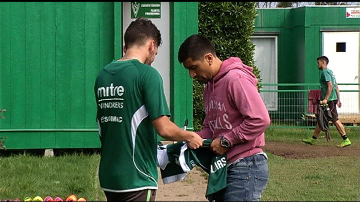 """DT de Wanderers ante posible partida de David Pizarro: """"Sería gravísimo por lo que aporta"""""""