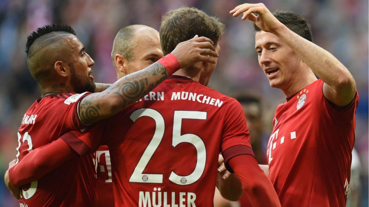 Con un tiempo basta: Bayern Munich arrasa a Stuttgart con Vidal como titular