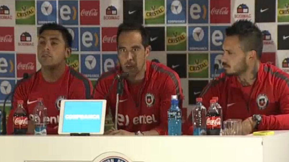 """Bravo y entradas para ver a Chile: """"Si valen una fortuna jamás tendremos un estadio lleno"""""""