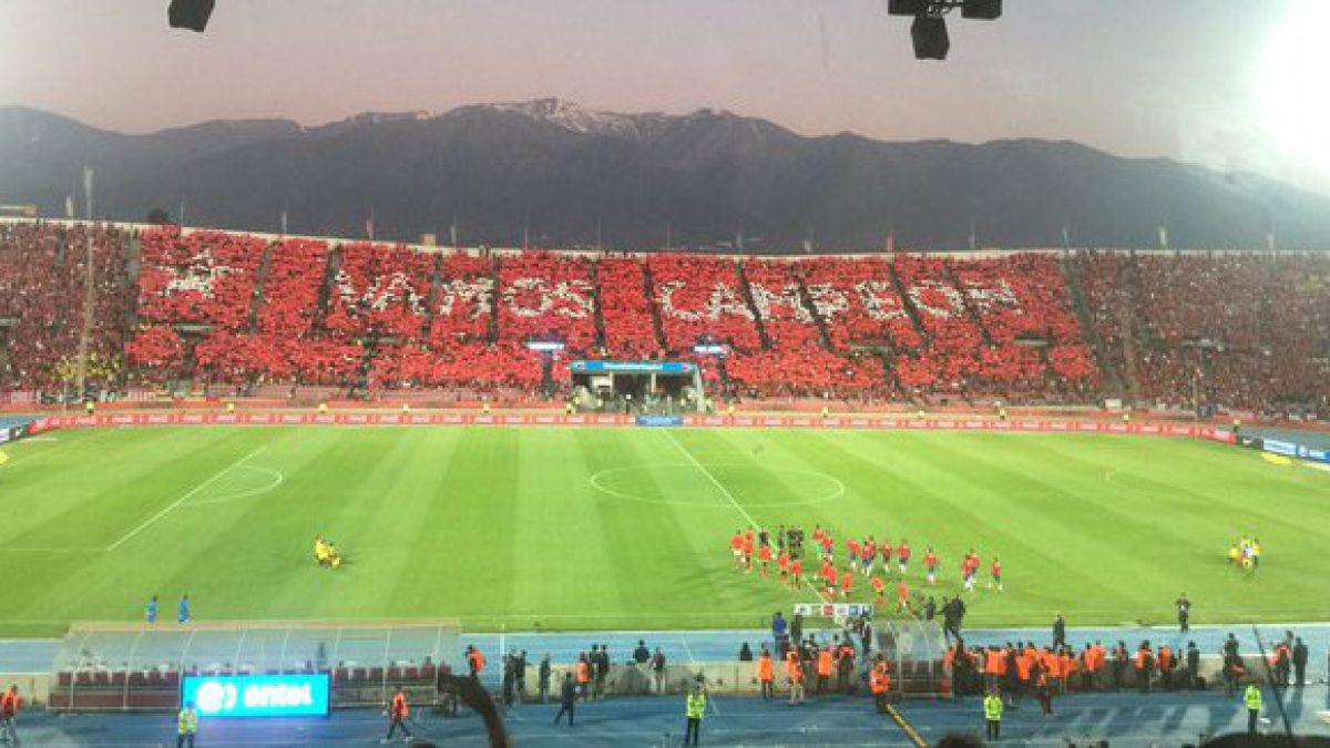 """[FOTOS] Así se vio el mosaico con el """"Vamos Campeón"""" en la tribuna Andes del Estadio Nacional"""