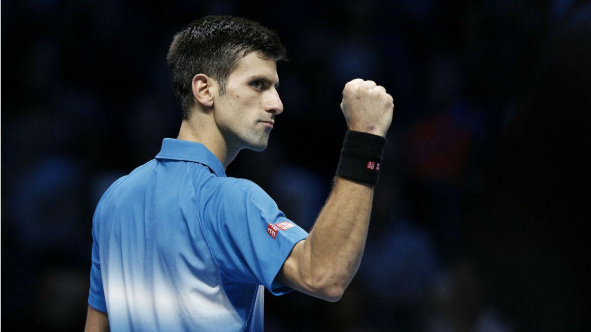 Novak Djokovic arrasa con Nishikori en el debut del Torneo de Maestros de Londres