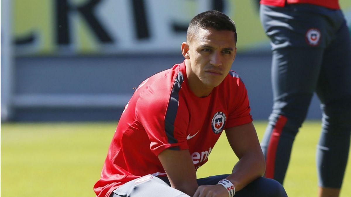 Alexis trabaja diferenciado en entrenamiento de La Roja antes de viajar a Uruguay