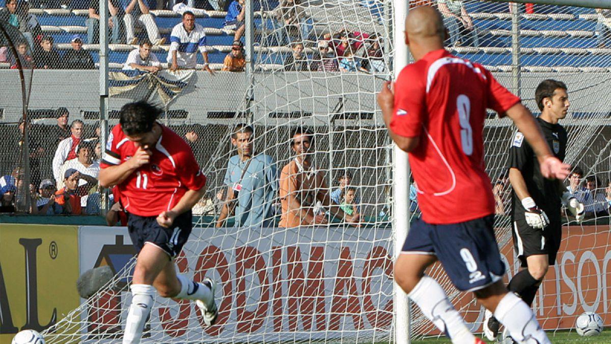 """[VIDEO] El histórico empate de Chile ante Uruguay con dos puñales del """"Matador"""" Salas"""