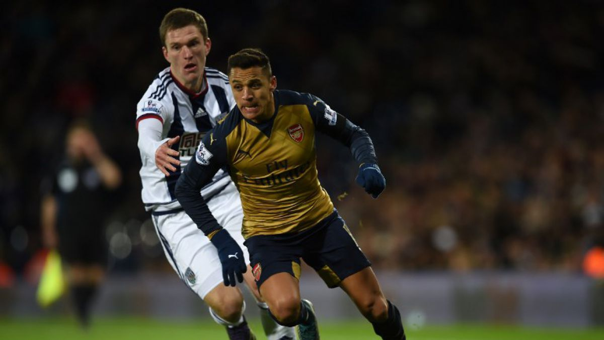 Arsenal de Alexis desperdicia penal y pierde con un autogol en la Premier