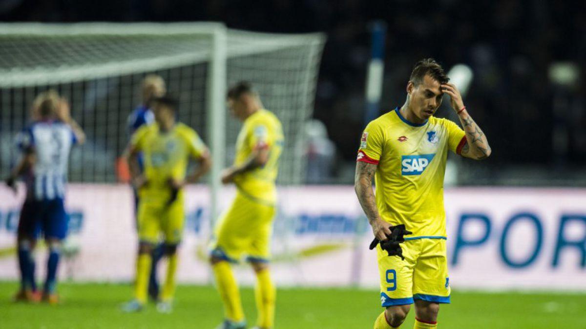 Eduardo Vargas no pudo impedir la caída del Hoffenheim y es colista en Alemania