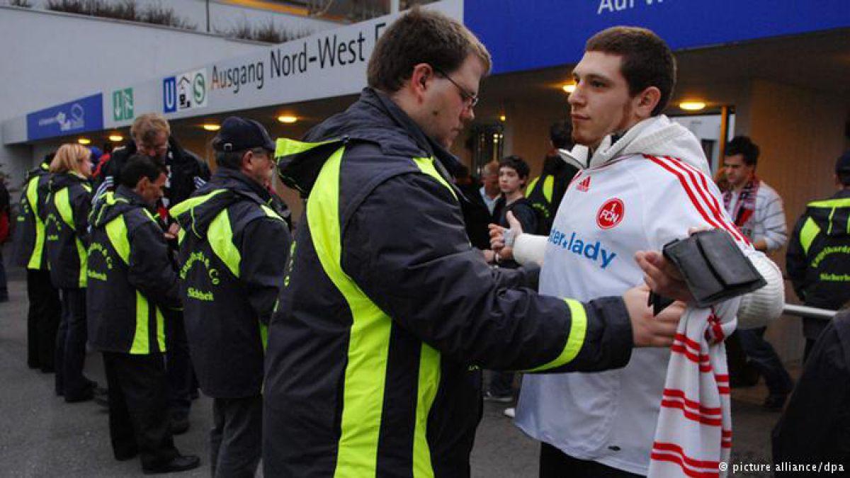 Una tensa Bundesliga juega bajo temor