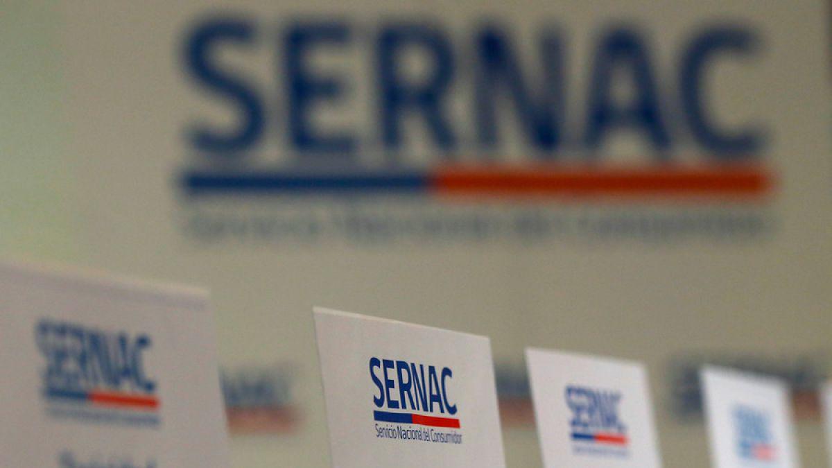 El SERNAC además hizo una revisión de la publicidad navideña de las empresas y exigió que estas se ajustaran a la Ley del Consumidor.