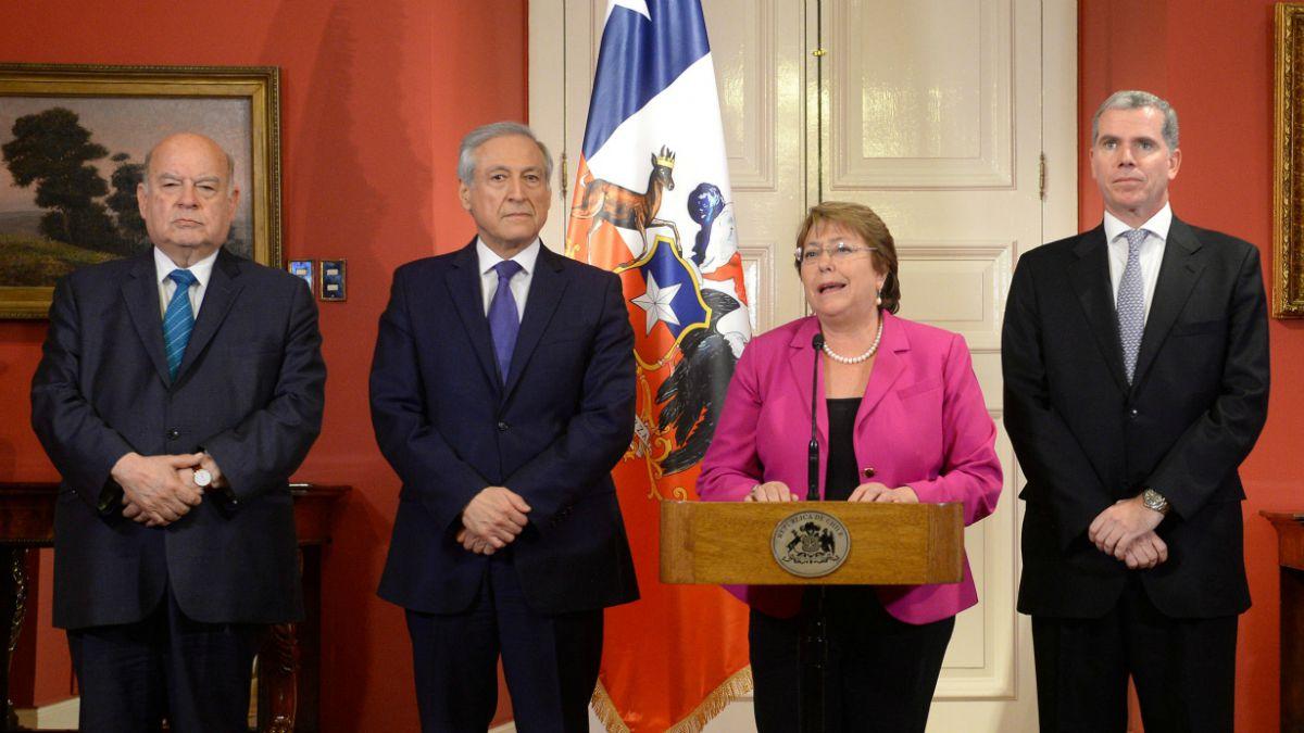 Bachelet nombró a Insulza como nuevo agente ante La Haya