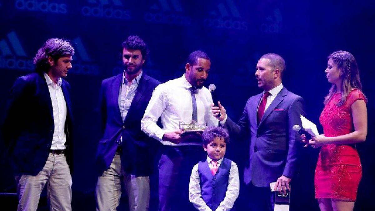 El mejor de los mejores: Jean Beausejour fue premiado con el Balón de Oro
