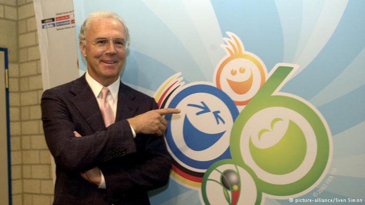 Beckenbauer: el hombre que firma en blanco