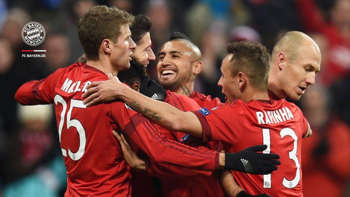 """Bayern con Vidal celebra en Champions: Golea y le da una """"mano"""" al Arsenal de Alexis"""