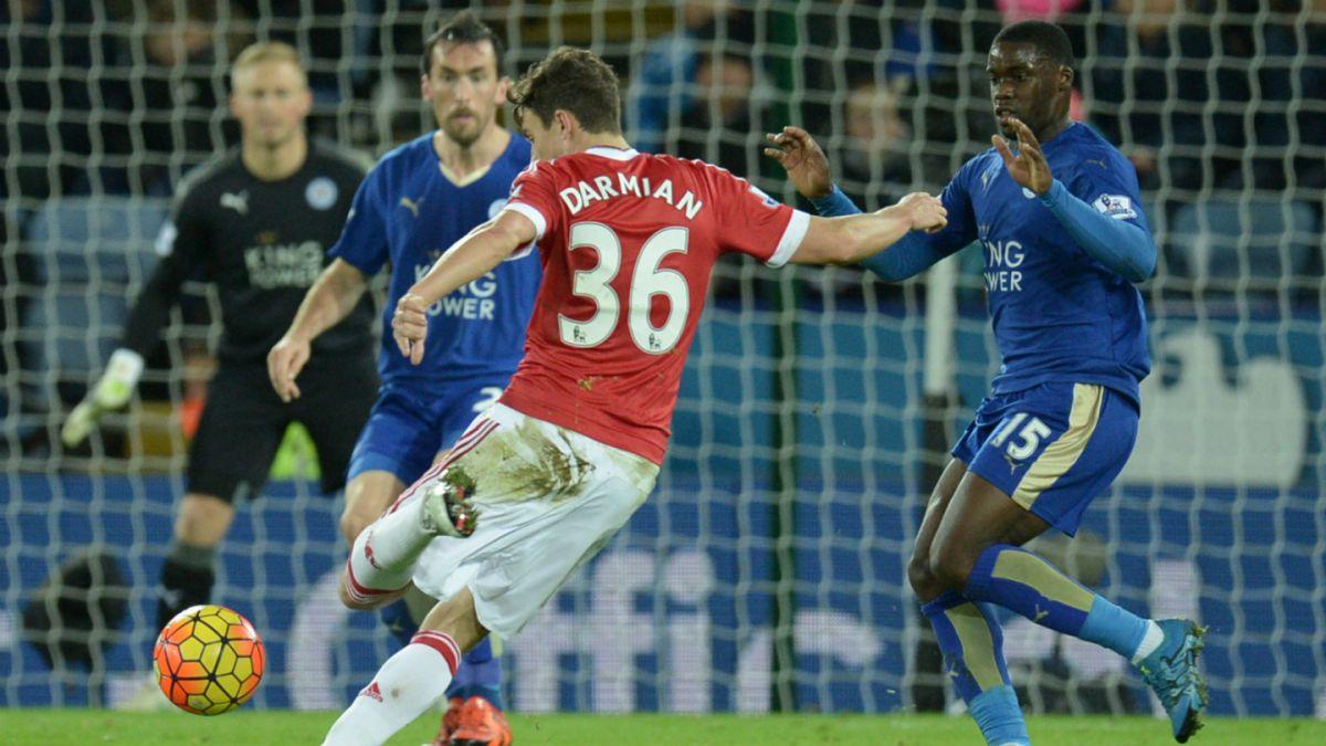 Una mano para Pellegrini: Empate entre Leicester y el United deja al City puntero de la Premier