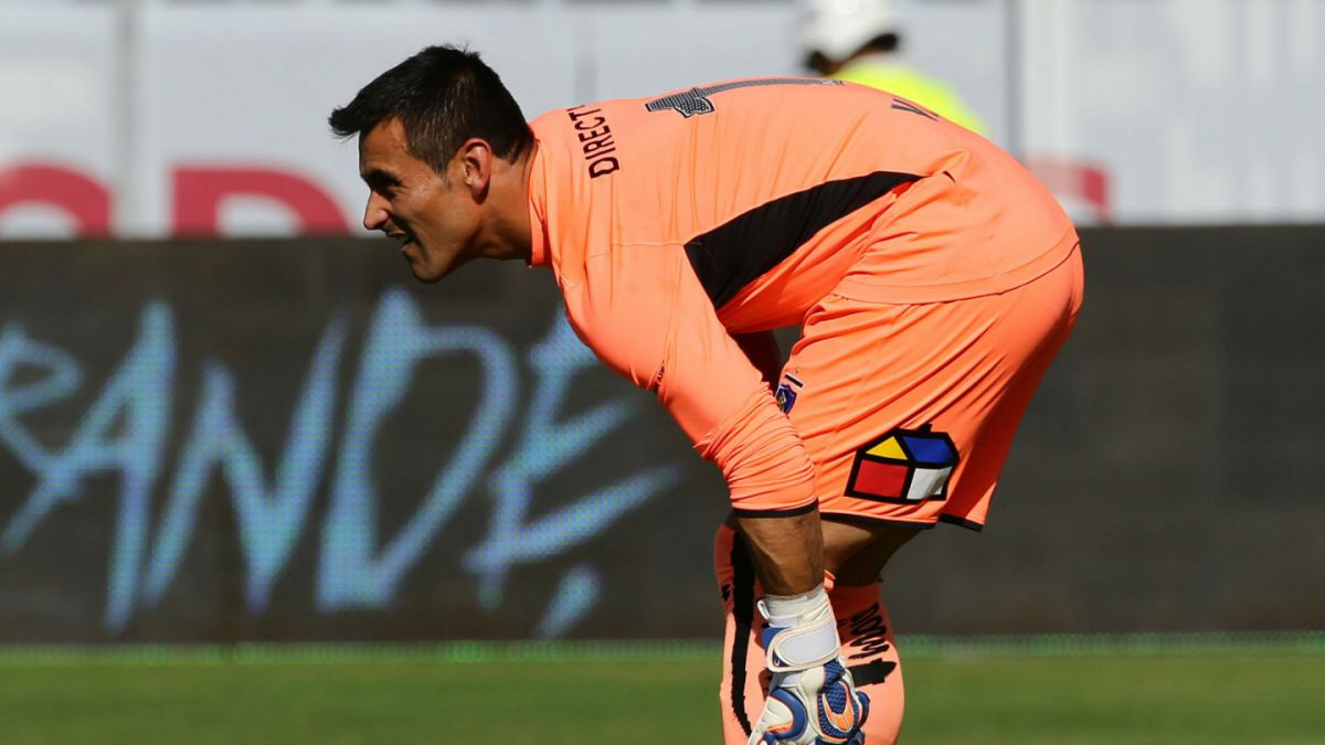 Justo Villar: Físicamente no estamos muy bien y futbolísticamente también nos está costando