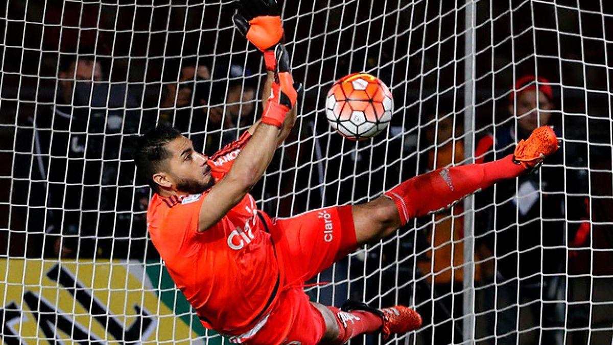 Johnny Herrera: Los tres momentos claves de la figura del partido