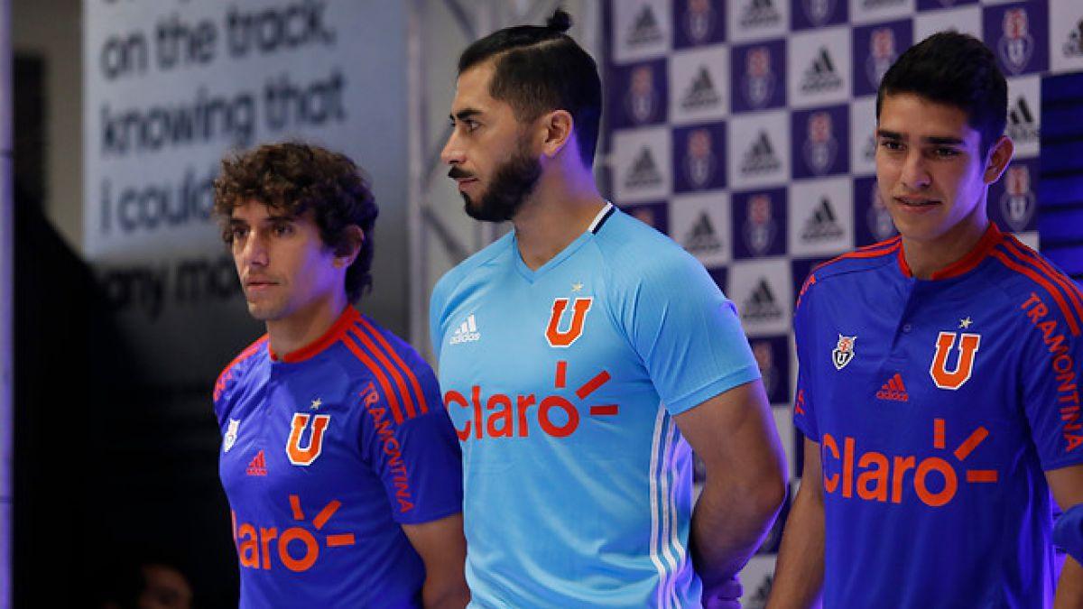 Universidad de Chile presenta su nueva camiseta para la temporada 2016