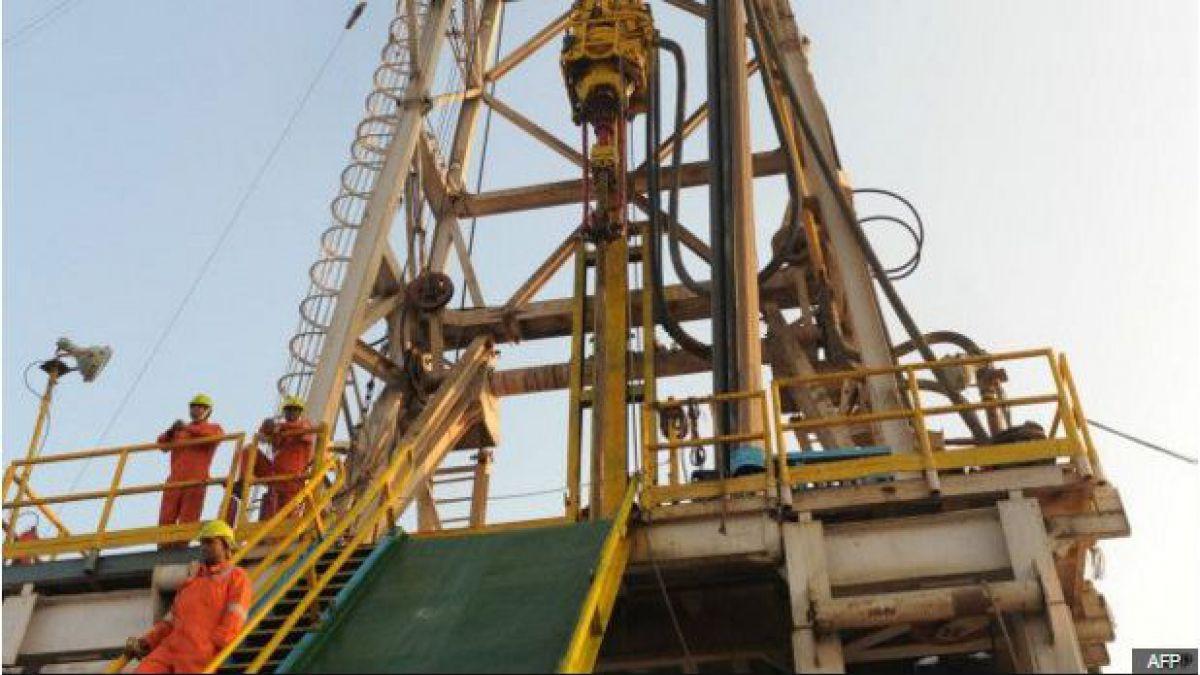 El petróleo retrocede en Asia con el WTI por debajo de 27 dólares
