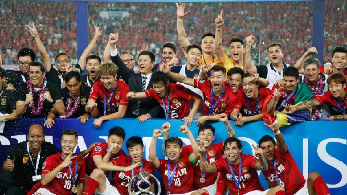 El equipo chino de Robinho y Scolari que quiere sorprender al Barcelona de Claudio Bravo