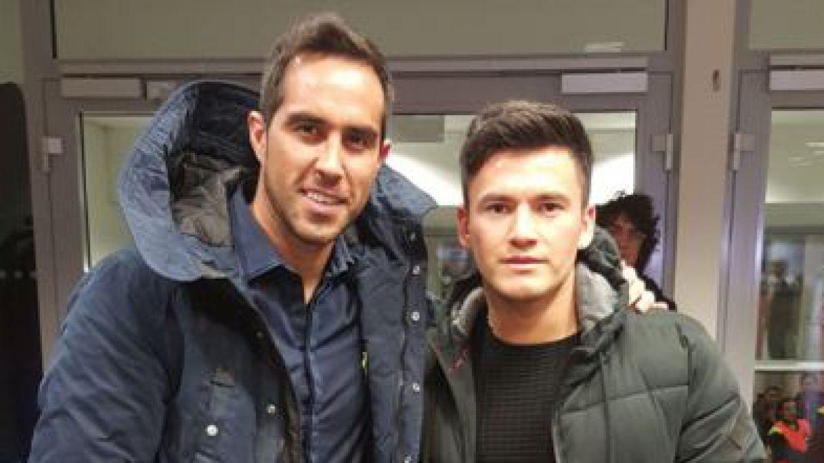 [FOTO] Claudio Bravo se reúne con Charles Aránguiz y le entrega su apoyo