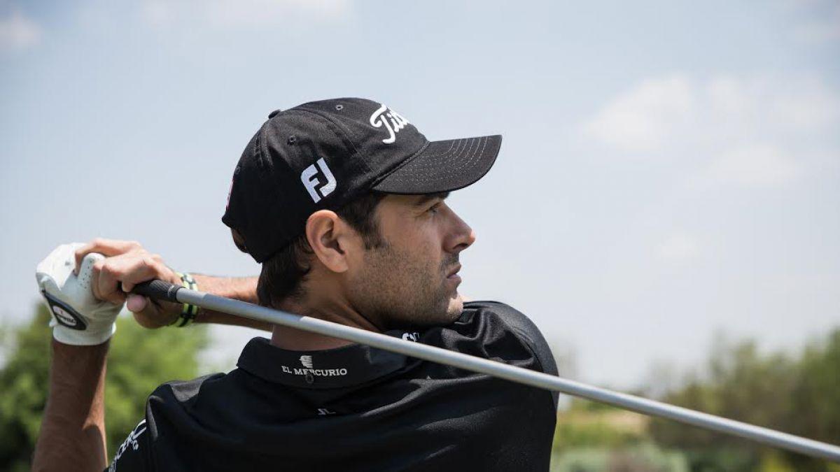 Benjamín Alvarado juega su primer doble de golf como profesional en el abierto de Granadillas