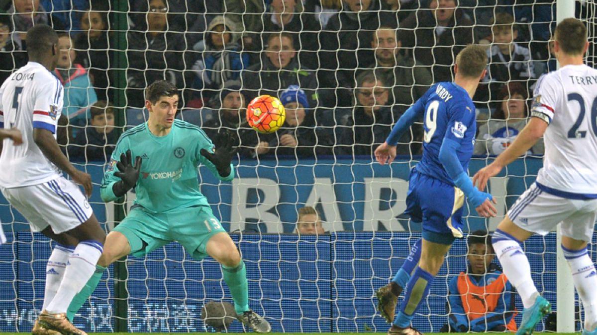 Leicester vuelve a liderar la Premier y deja al Chelsea a solo un punto del descenso