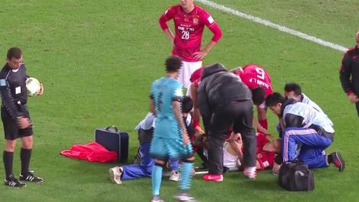 La escalofriante lesión de un jugador del Guangzhou ante Barcelona de Bravo