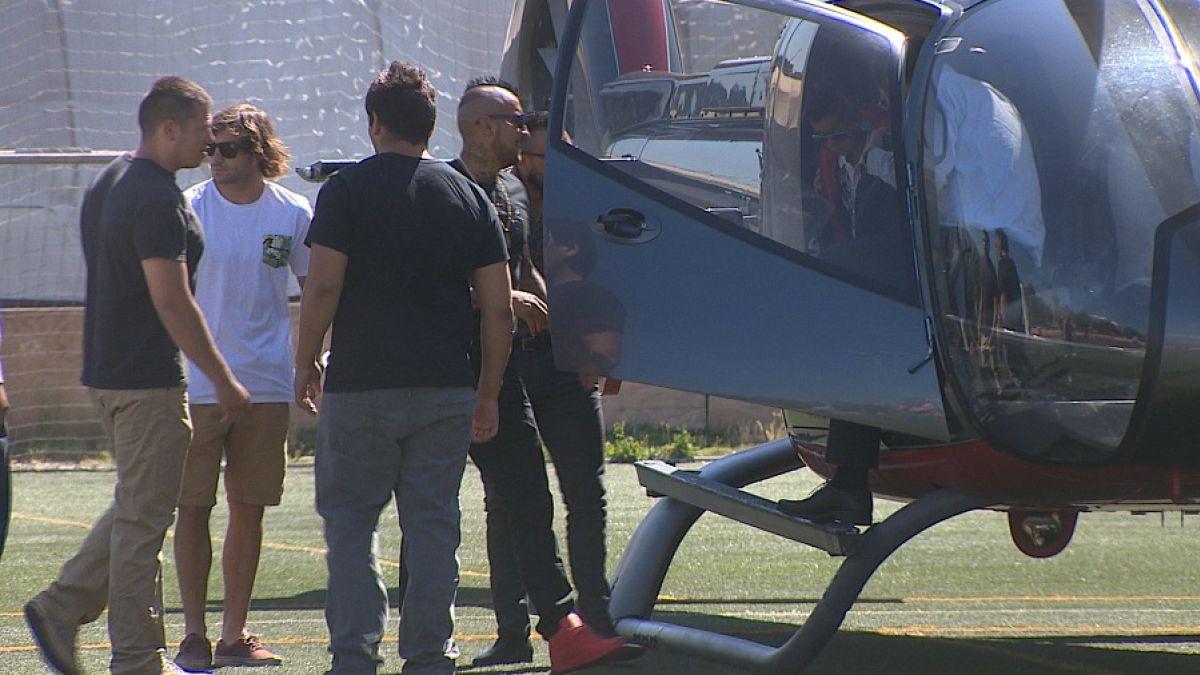 [VIDEO] Arturo Vidal llega en helicóptero a evento y da su apoyo a Sergio Jadue