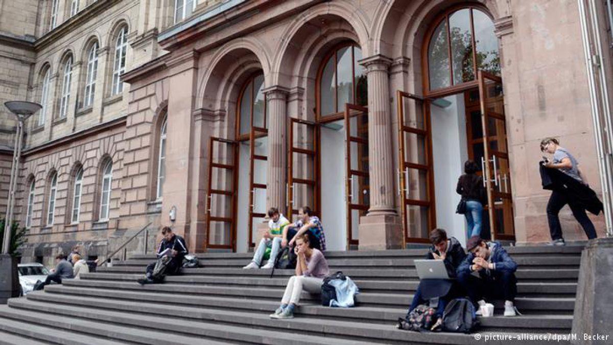 Los programas de formación profesional para los que abandonan la universidad crecen ante la falta de candidatos.