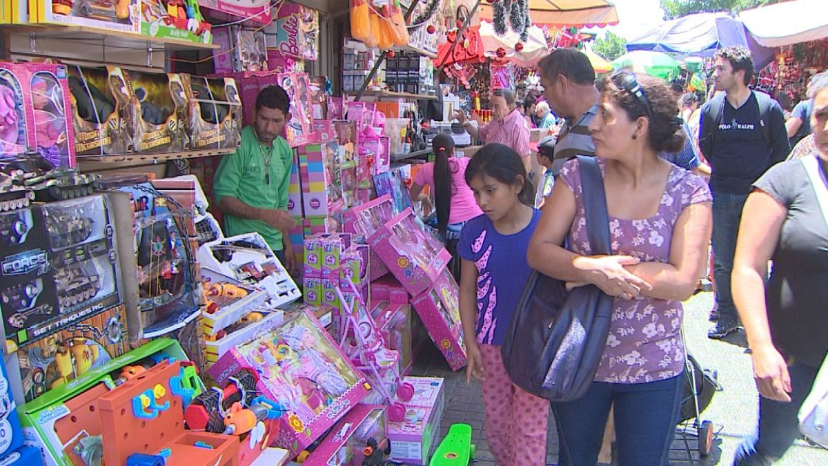 Navidad: experto entrega recomendaciones para elegir juguetes seguros para los niños
