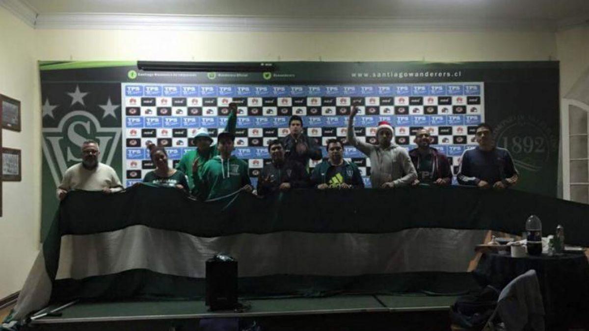 Socios de Wanderers mantendrán toma de la sede del club de forma indefinida