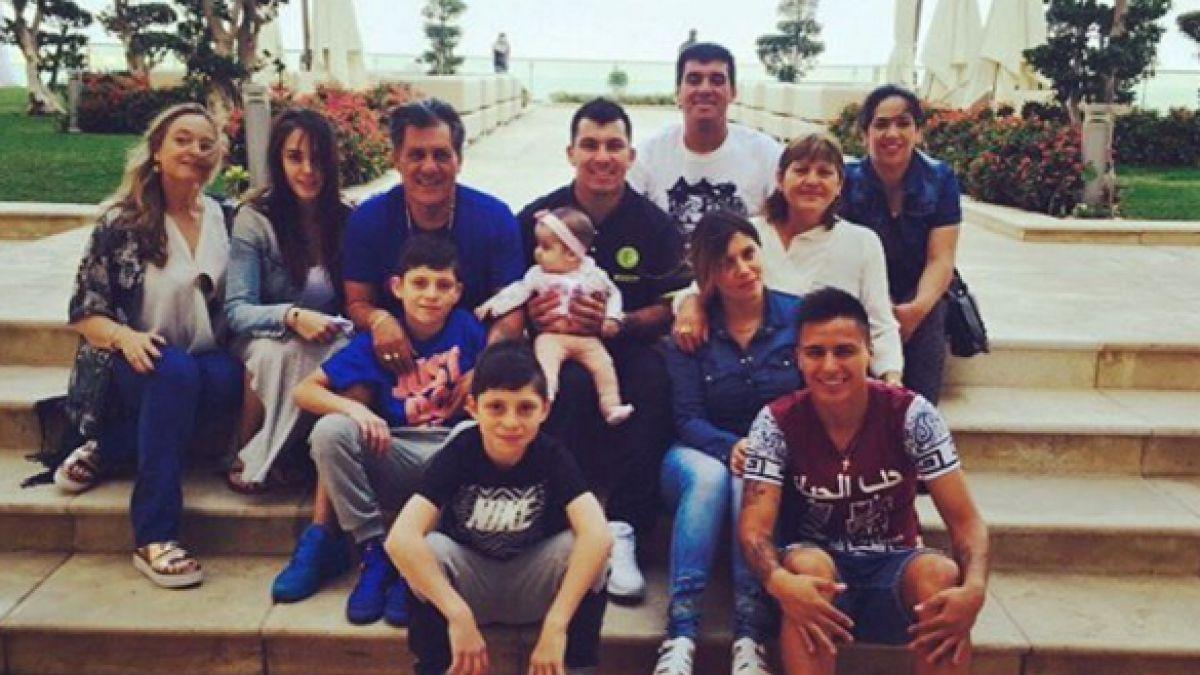 Gary Medel muestra cómo son sus vacaciones junto a su familia