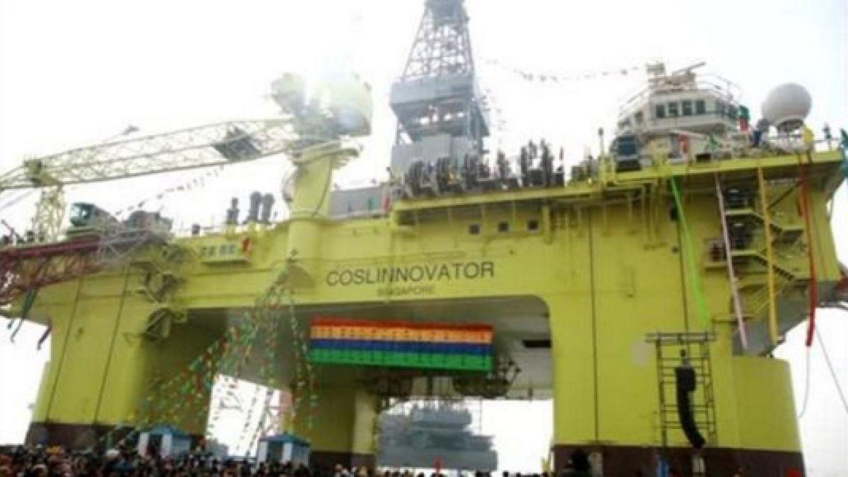 Evacuan plataforma petrolera por temor a choque con barcaza