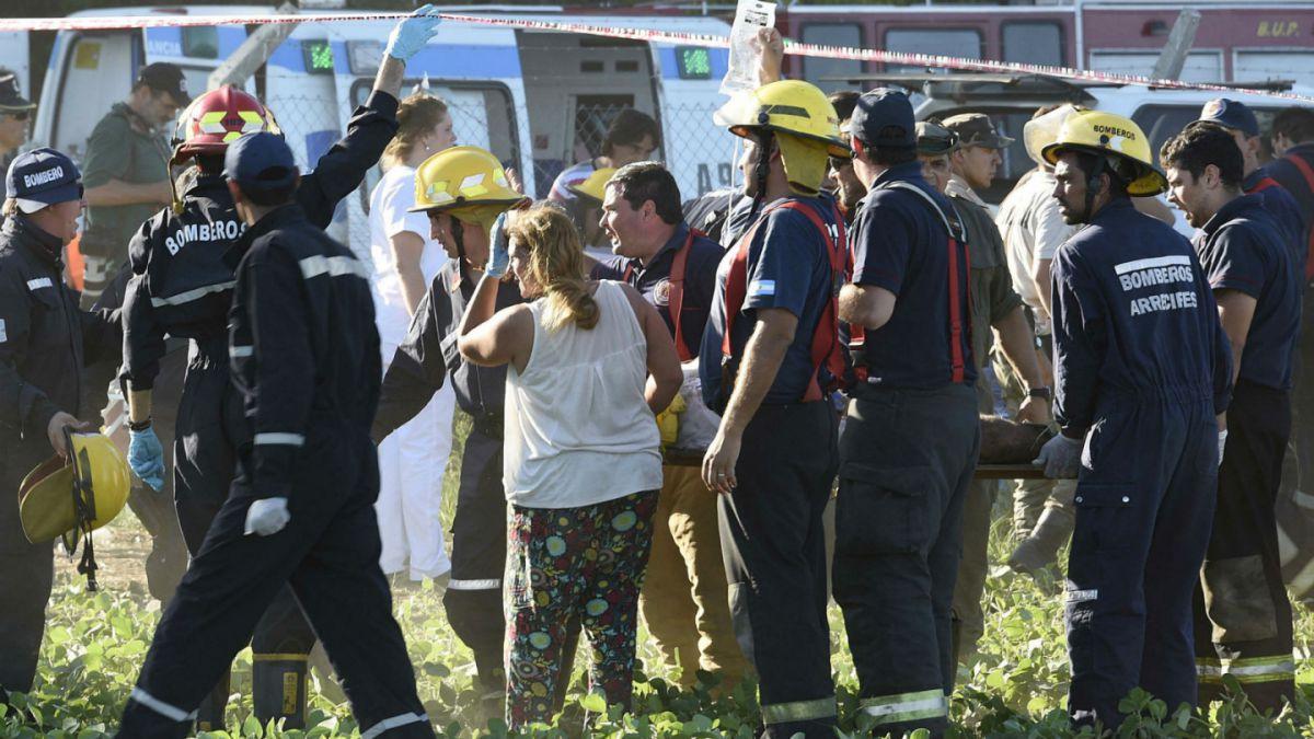 Diez espectadores heridos en accidente de auto en Dakar 2016