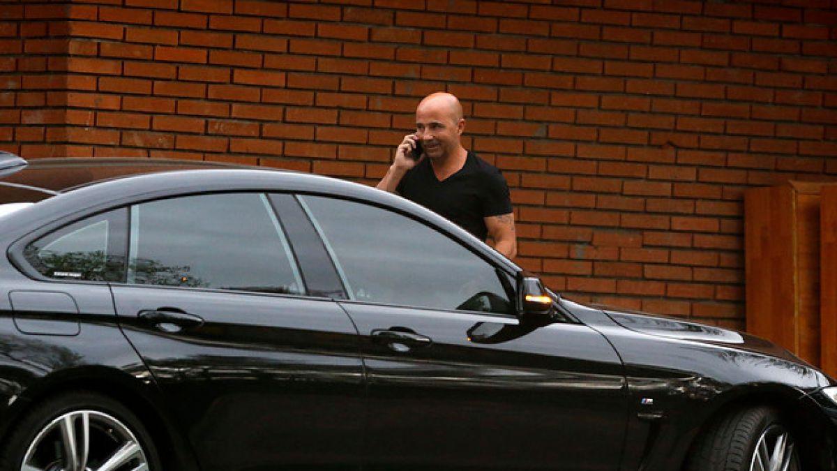 Sampaoli se retira en silencio de la ANFP tras reunión con Arturo Salah