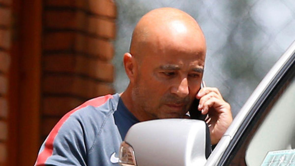 El diálogo sigue vigente: Tras dos horas termina la reunión entre Sampaoli y Salah