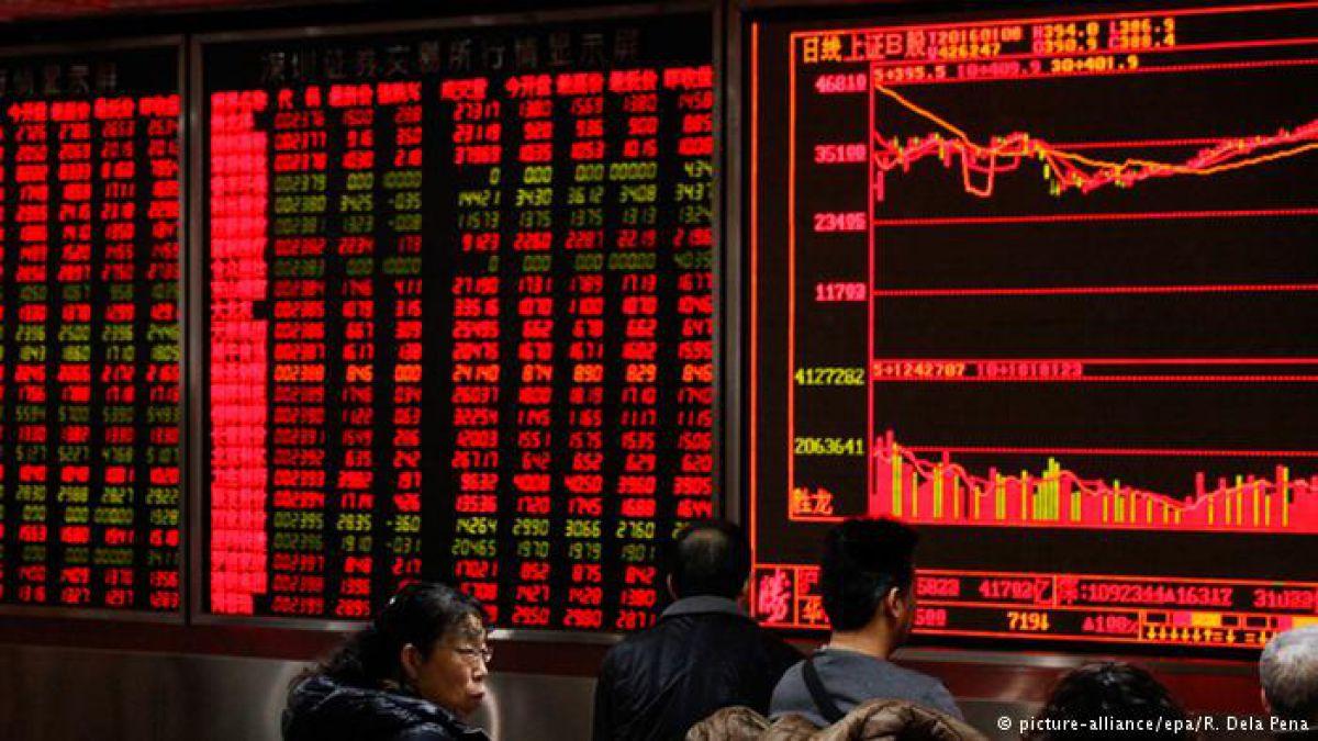 Bolsas chinas se recuperan ligeramente