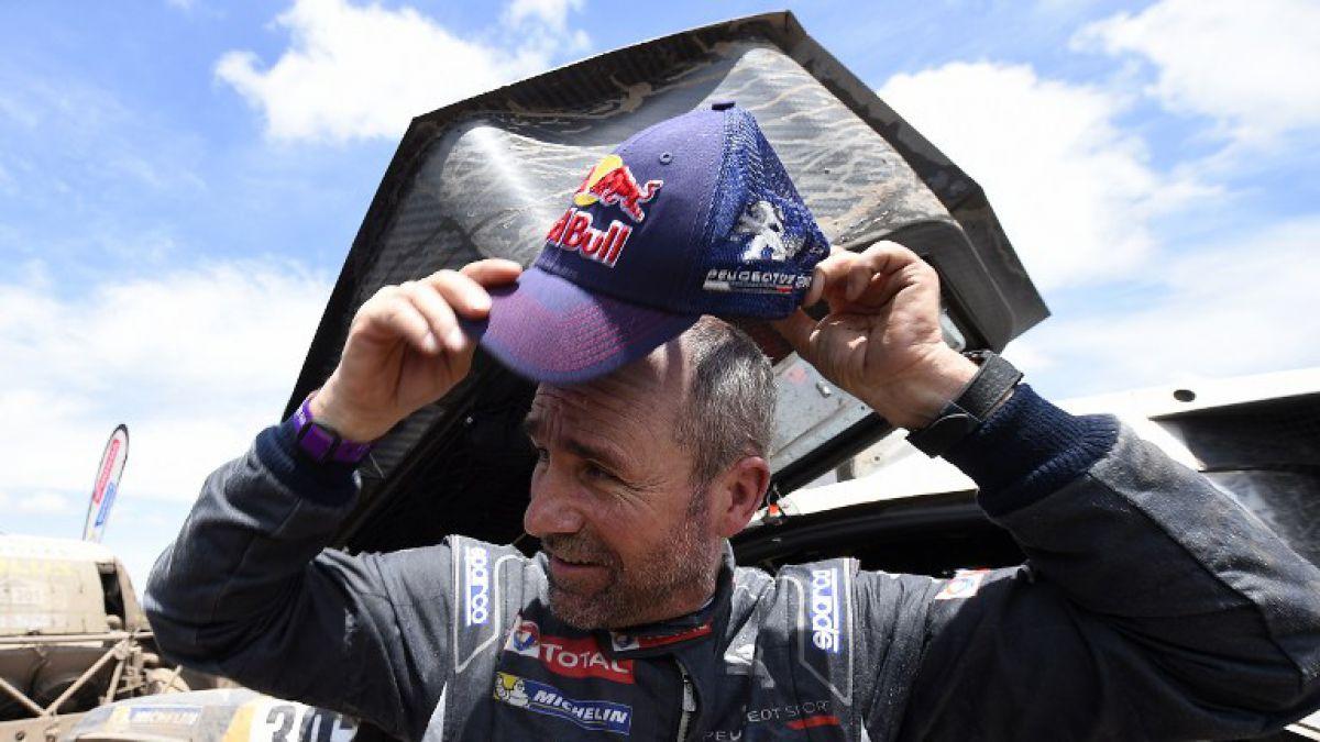 Autos: Victoria de etapa y liderato para Peterhansel en el Dakar