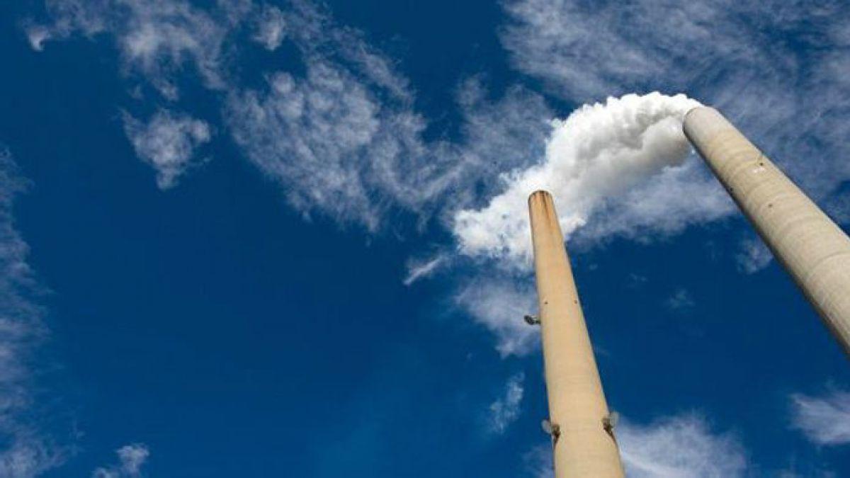 Producción industrial sorprende al mercado tras anotar caida de 7,4% en octubre