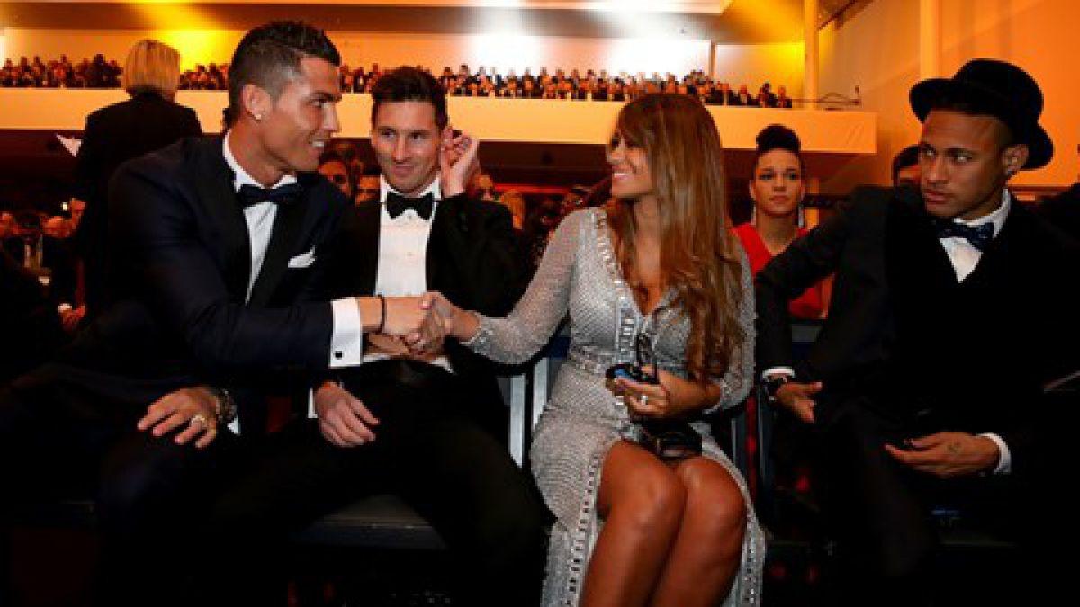 [FOTO] Así fue el saludo de Cristiano Ronaldo con la novia de Lionel Messi