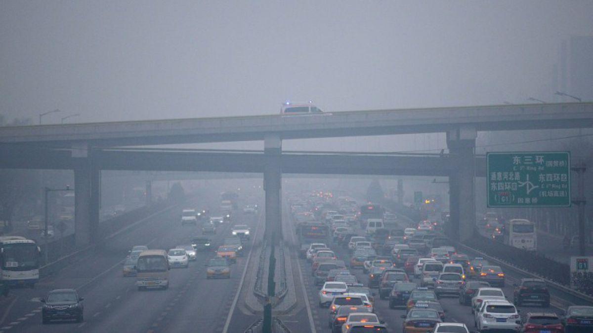 Ventas de auto sufrieron un fuerte freno en China durante 2015