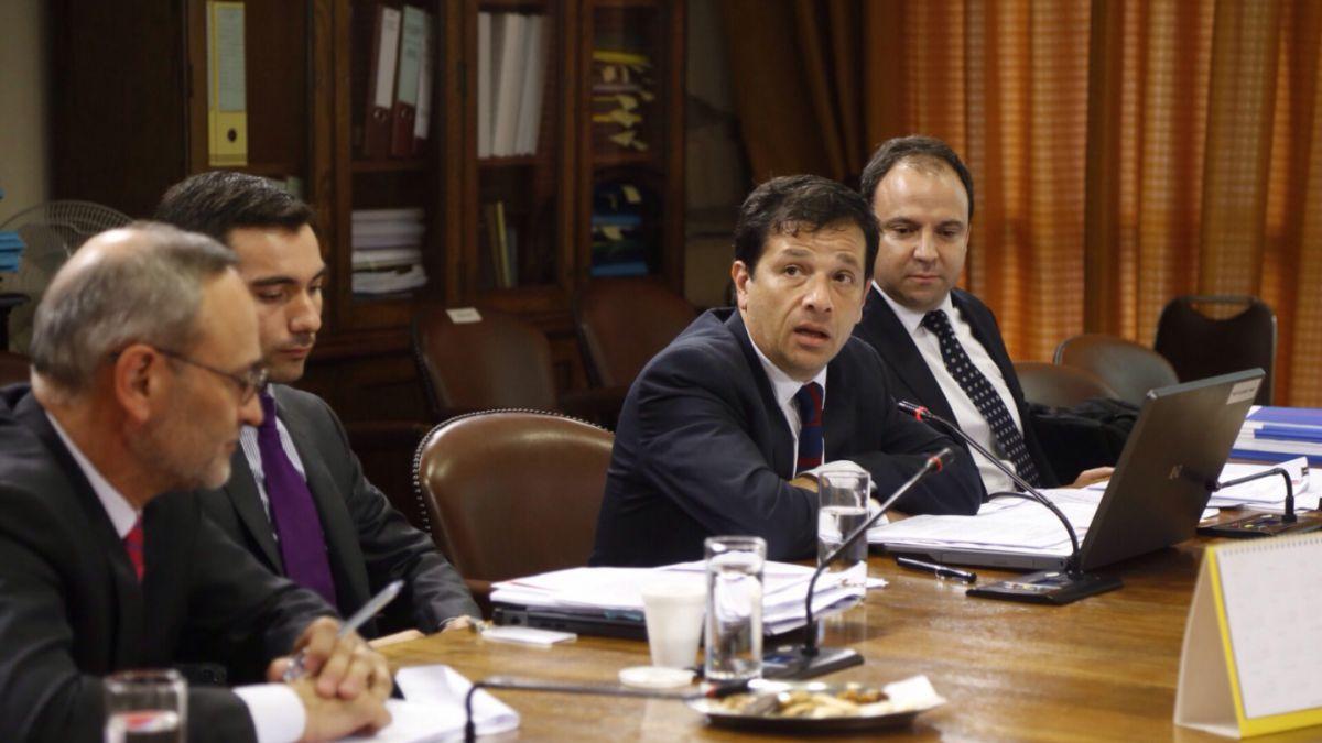 Comisión de Hacienda de la Cámara despacha proyecto de simplificación tributaria