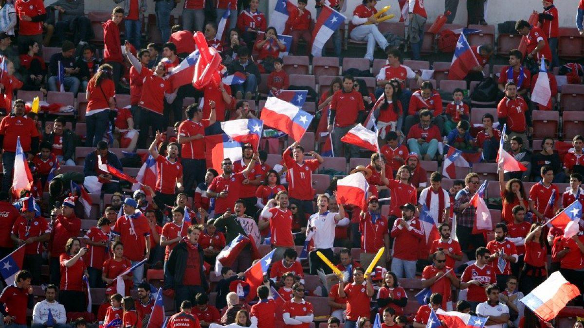 FIFA sanciona a Federación chilena por cánticos discriminatorios de hinchas