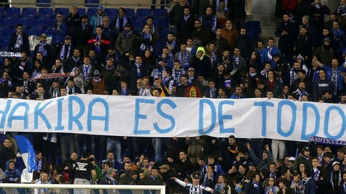 Castigarían a Espanyol por provocativas pancartas contra Shakira en duelo ante Barcelona