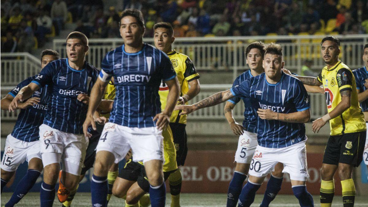 La UC enfrenta a Iquique en el inicio de su aventura en el Torneo de Clausura 2016