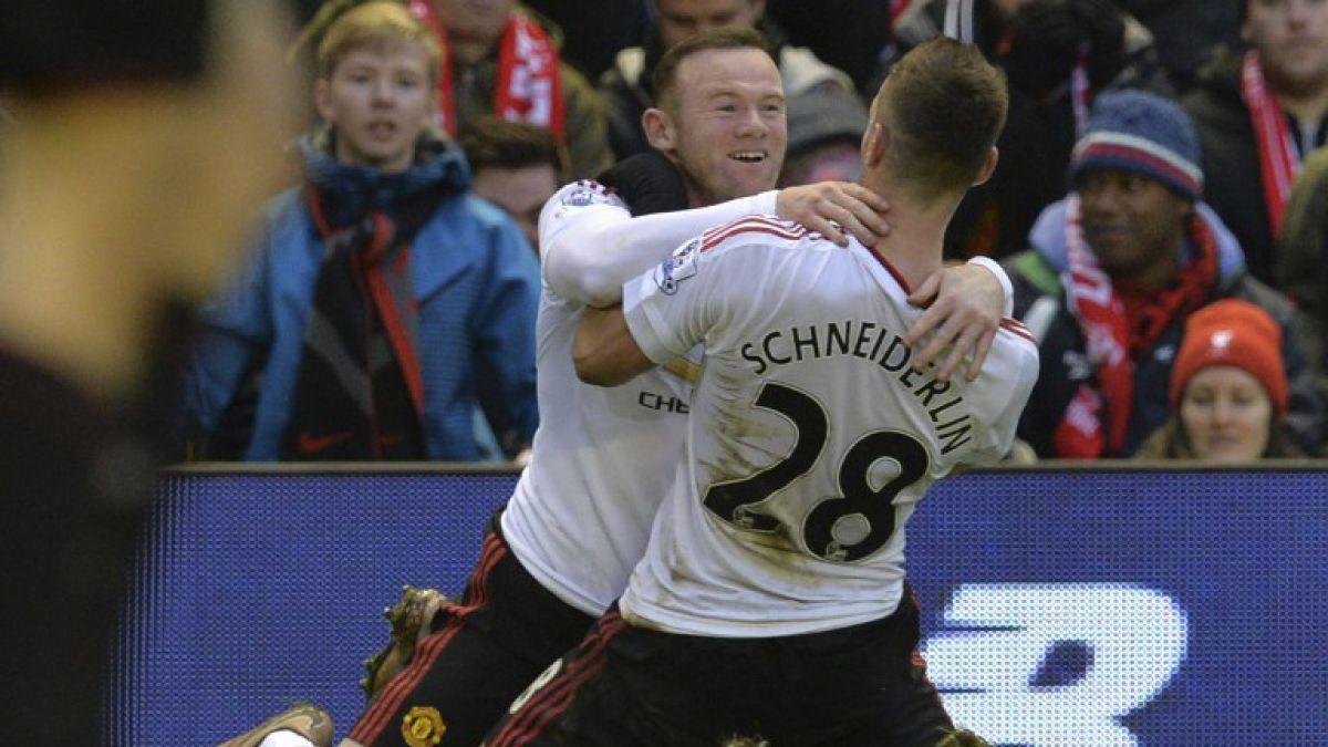 Con un gol de Rooney el Manchester United vence al Liverpool en Anfield