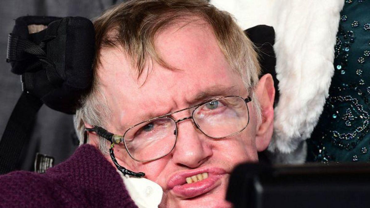 Stephen Hawking: La humanidad está en riesgo y muchos peligros los hemos creado nosotros mismos