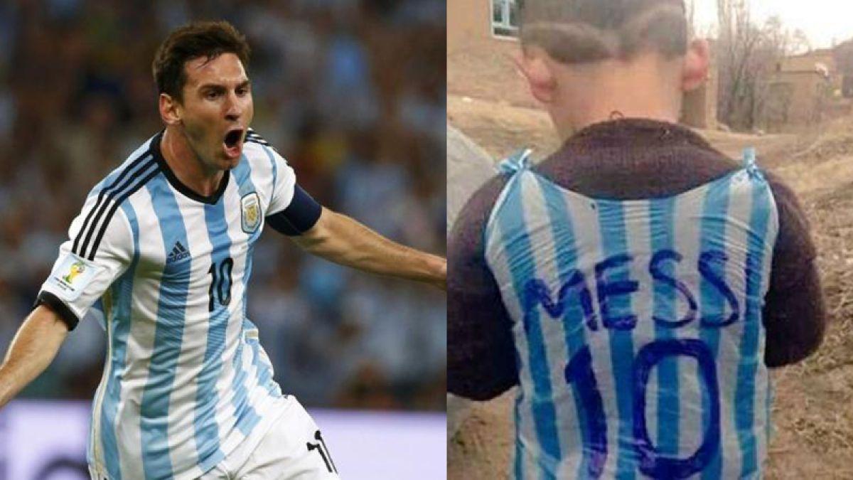 La foto de un niño con una camiseta de Messi hecha con una bolsa se ha vuelto viral.