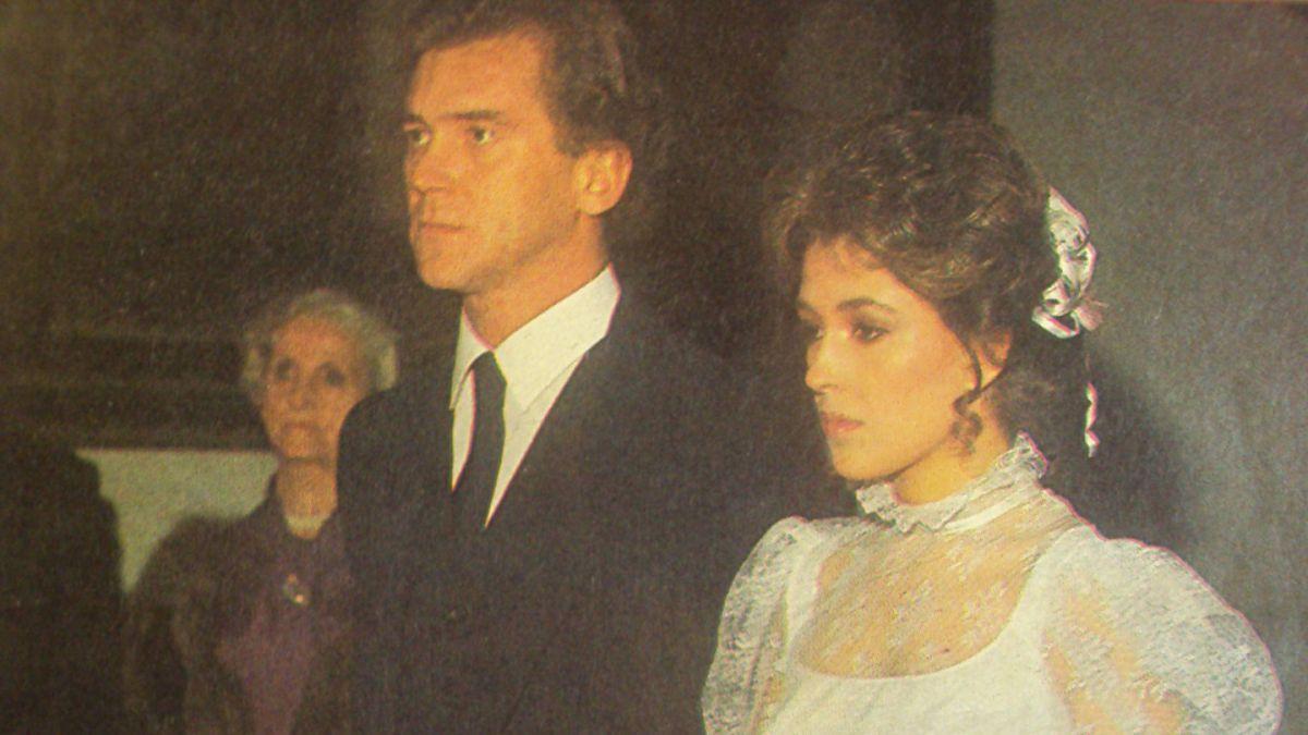 Carolina Arregui y Óscar Rodríguez el día de su boda, en 1985