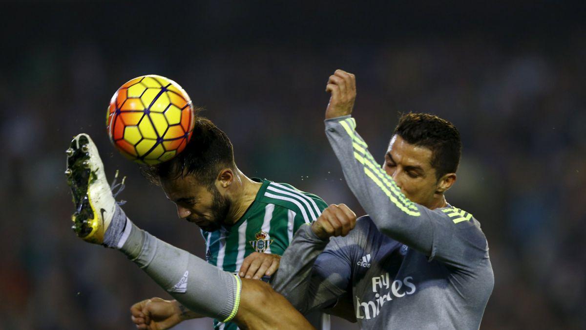 [VIDEO] Cristiano Ronaldo en la polémica tras nueva agresión a un rival sin balón