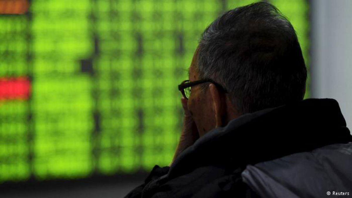 Las bolsas chinas caen al nivel más bajo de los últimos 13 meses